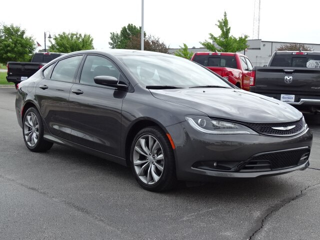 Pre-Owned 2016 Chrysler 200 S