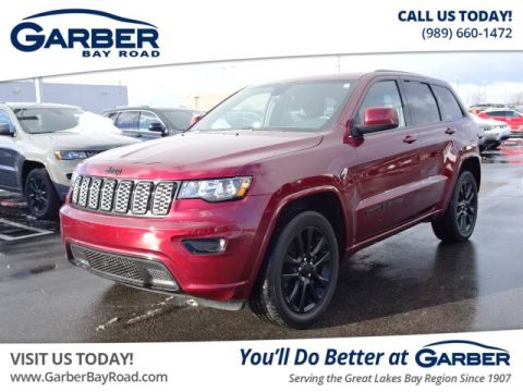 Pre-Owned 2018 Jeep Grand Cherokee Laredo With Navigation & 4WD