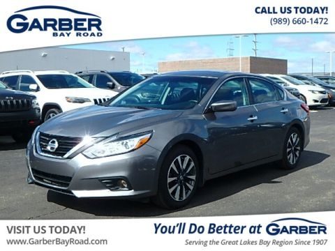Pre-Owned 2017 Nissan Altima 2.5 SV FWD Sedan